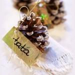 Украса от шишарки за Коледа
