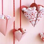 Висящи кошнички с бонбони за свети Валентин