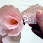 Хартиено цвете от креп хартия