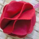 Коледна топка от филц