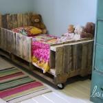 Детско легло от дървени палети