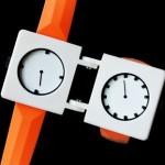 Един часовник с два циферблати