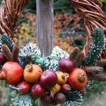 Коледни венци от еко материали