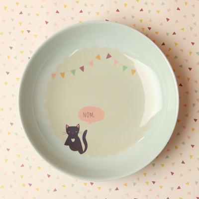 cat in a plate 8
