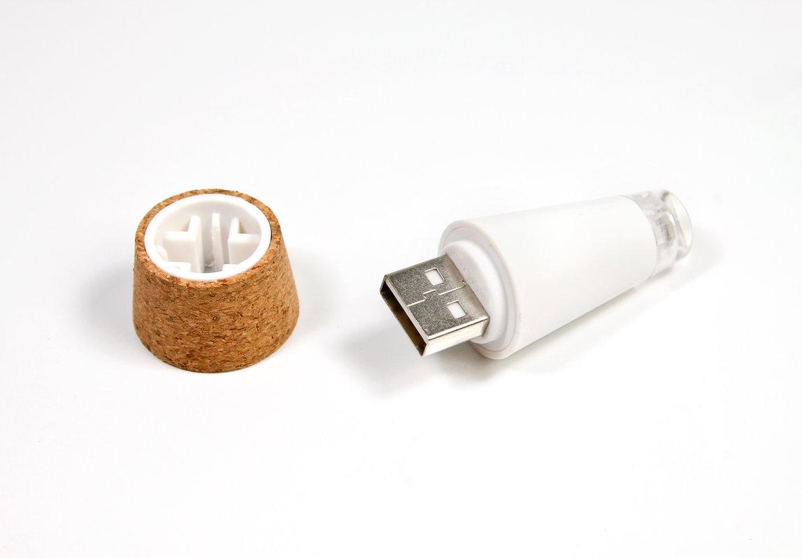 31955_bottlelight-onwhite2