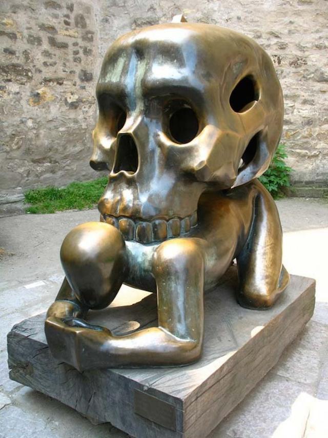 strange_sculptures_worldwide_04