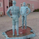 strange_sculptures_worldwide_05