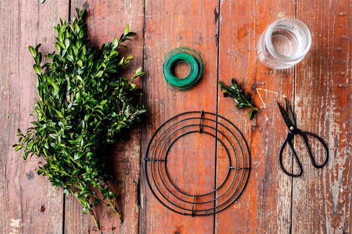 HelloHomeShoppe-Poppytalk-Mini-Wreath-Materials