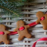 decorators-notebook-gingerbread-garland