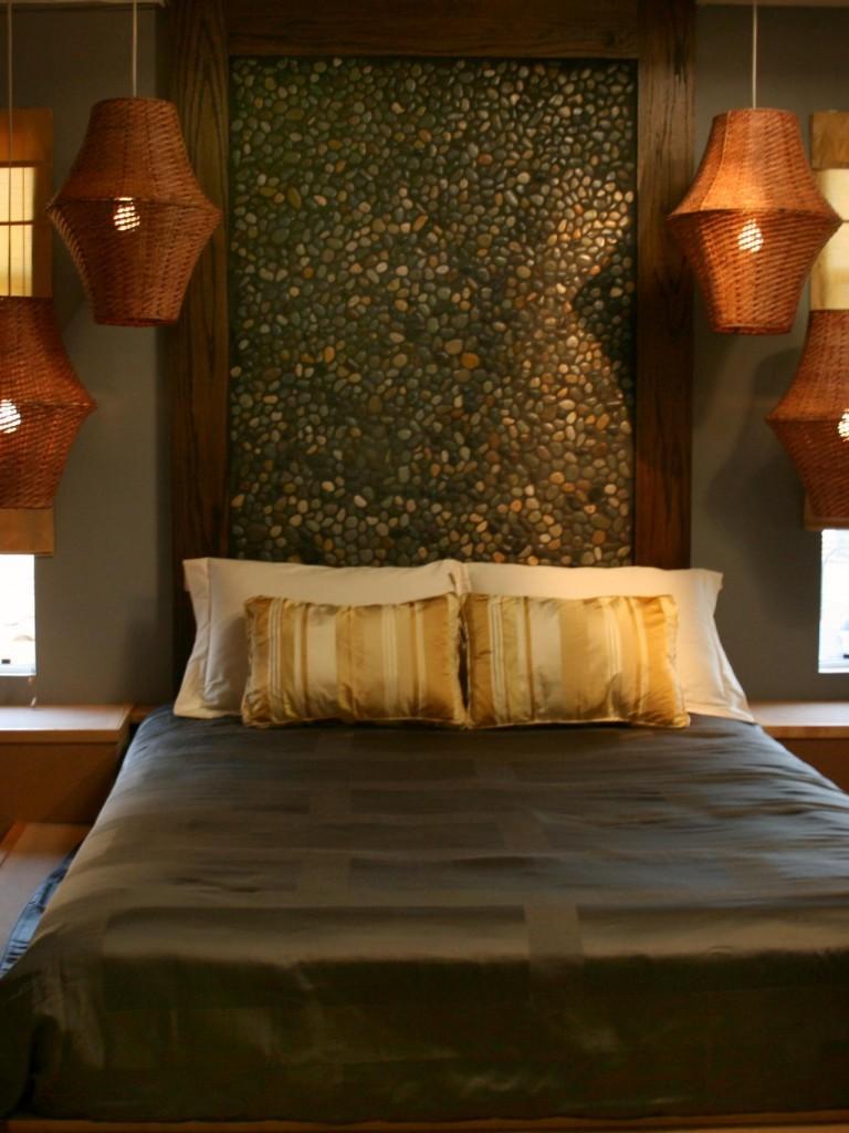 hgPG-2468414-orange-hmofs109-zen-bedroom.jpg.rend.hgtvcom.1280.1707