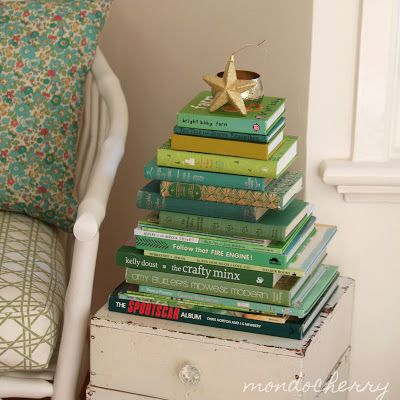 artandblog_decorating-with-books-for-christmas_05