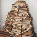 artandblog_decorating-with-books-for-christmas_06