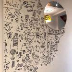 doodle-boy-decorates-restaurant-joe-whale-3