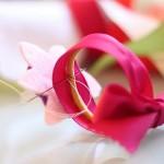 Пролетна гривна с цветя за ръка