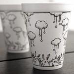 Рисунки върху чаша кафе