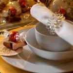 Идеи за декорация на коледна маса – част 2