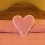 Украса на легло за Свети Валентин