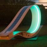 Стол със соларен панел