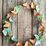 Венец с хартиени пеперуди