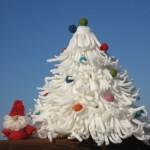 Коледна елха от ресни и филц